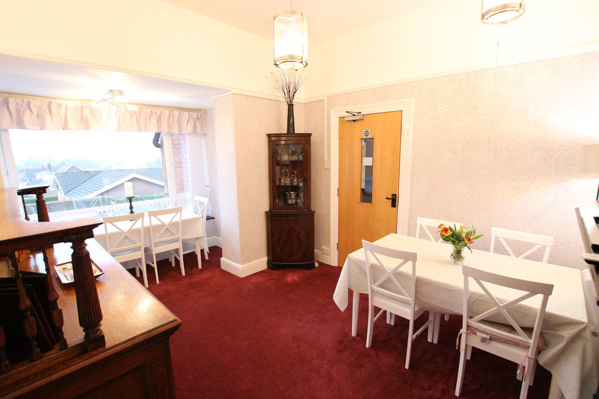 Image of Greylands Guesthouse Llandrindod Communal Areas 012