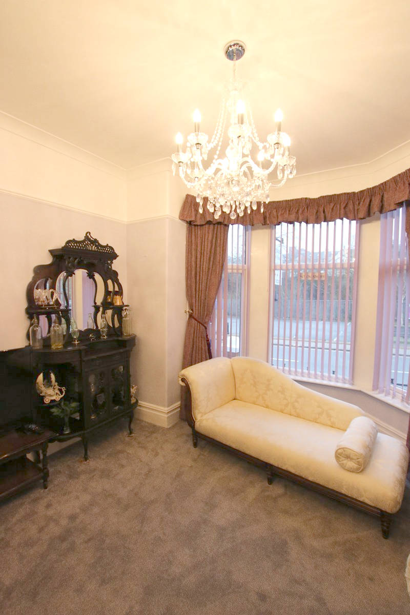 Image of Greylands Guesthouse Llandrindod Communal Areas 037