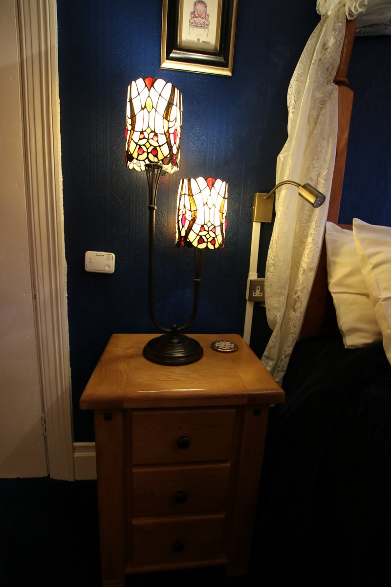 Image of Greylands Guesthouse Llandrindod Four Poster Room Kingfisher 029
