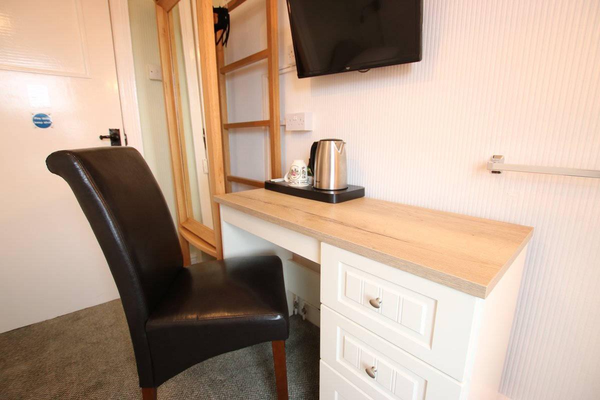 image showing Greylands Guesthouse Llandrindod Single Room Starling 015