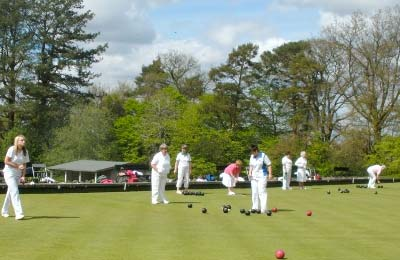 Bowls: Greylands Guest House is conveniently situated in the heart of Llandrindod Wells, close to the Llandrindod Wells Bowls Club, which has very impressive facilities for green bowling and indoor bowls.